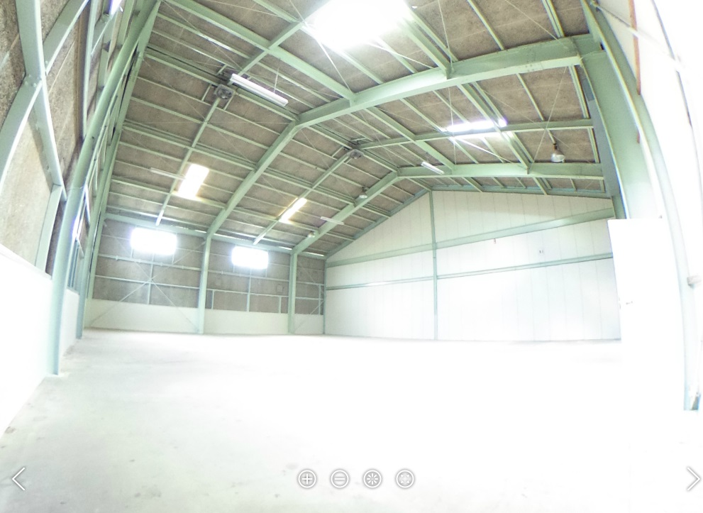 上野倉庫南側倉庫内